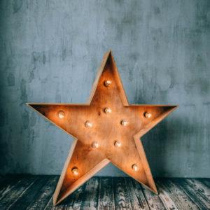 Звезда Open Box с лампочками от семейной мастерской Family Lights